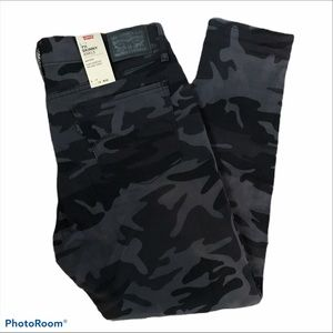 Levi 711 skinny ankle camouflage jeans 14